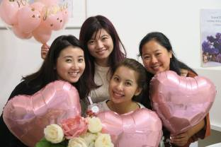 Bridal shower with bridesmaids in Intime Perfume Studio.